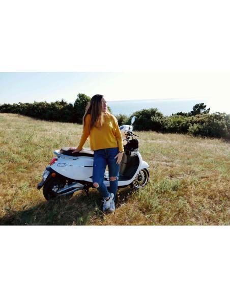 scoot électrique e-swan blanc siège cuir