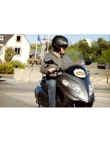 Feux avant maxi scooter électrique e-jet puissant, avec une autonomie de 120 kilomètres !