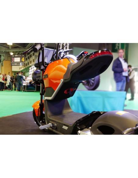 Moto électrique e-miku max batterie amovible offrant une autonomie de 50 km
