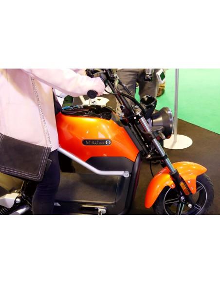 moto électrique e-miku max avec reposes pieds