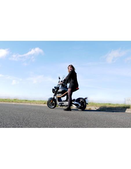 Moto e-miku noire 50 cc