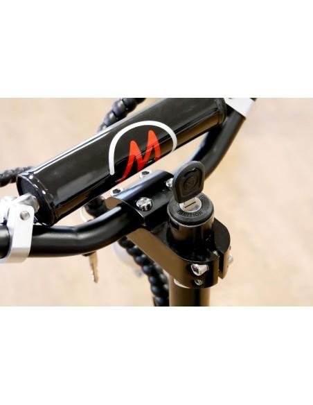 Emplacement pour la clé du mini scooter électrique e-monster
