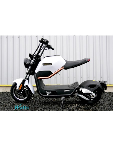 8c55e75c14b6 moto électrique blanche 50 cc e-miku