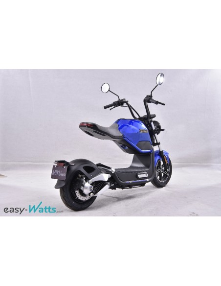 e-miku max 50 cc, la moto électrique bleue offrant une autonomie de 50 km
