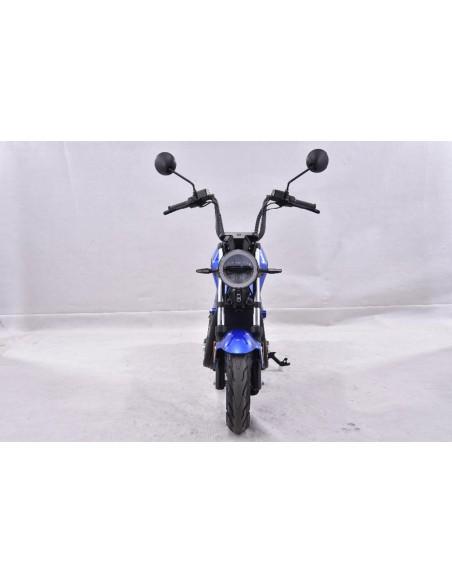 Phare avant de la moto électrique 50 cc e-miku max bleue
