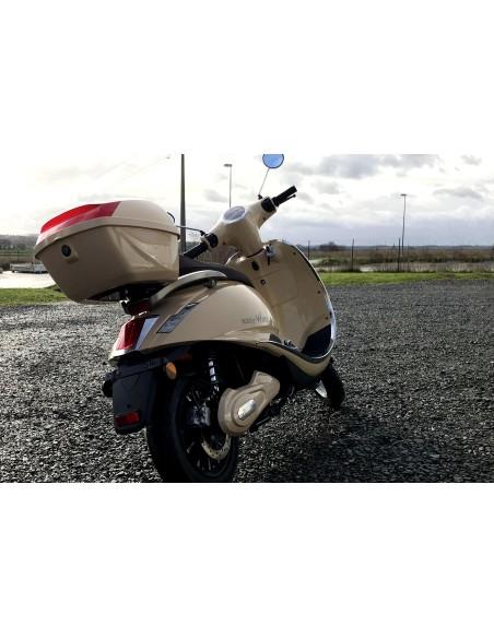 top case pour scooter électrique 125 cc crème