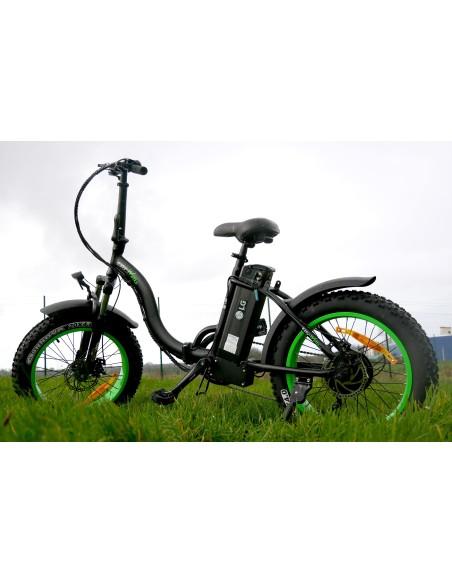 vélo fat bike à gros pneus e-nomad S