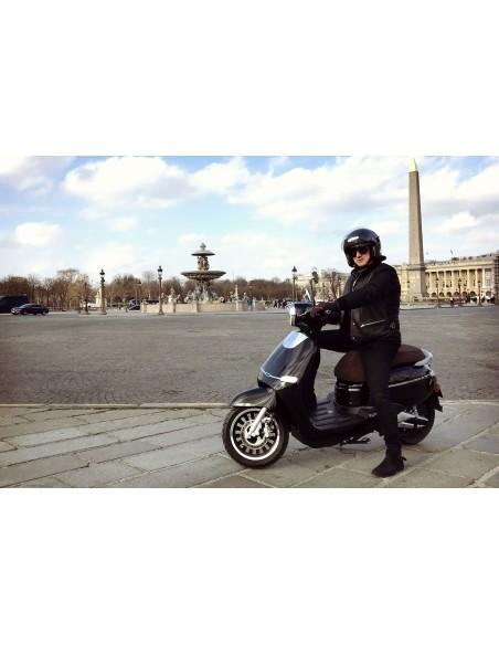 e-swan scooter électrique noir design rétro