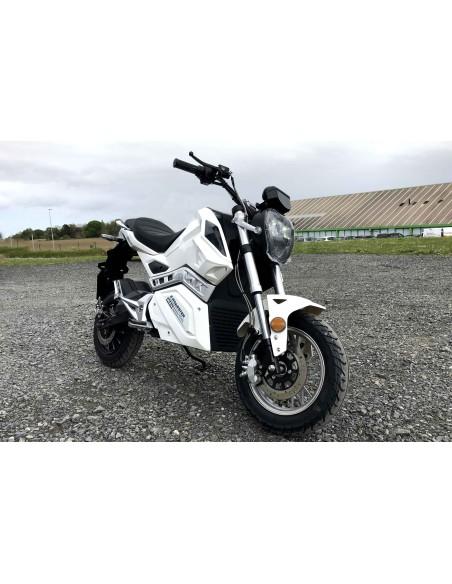 e-Roadster la moto électrique typée Roadster 125