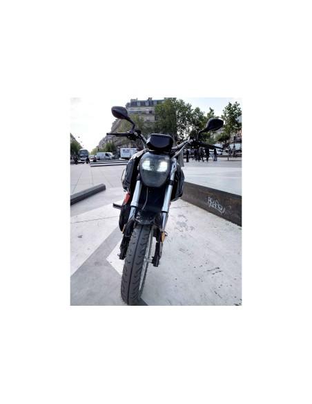 Nez de la moto électrique e-Roadster adulte